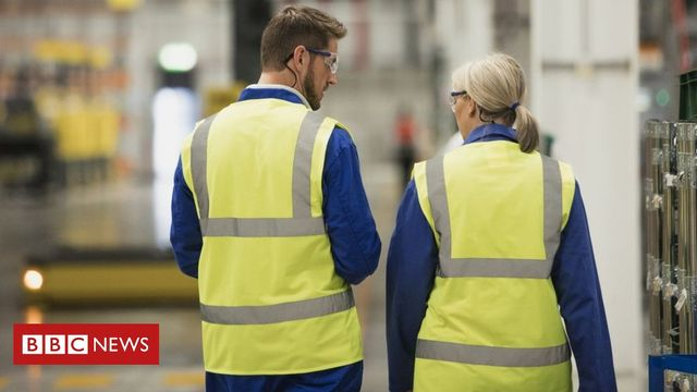 Gender pay gap grows at hundreds of big firms featured image