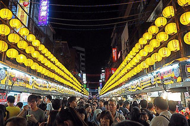 Adventurous expats choosing amazing Asia featured image