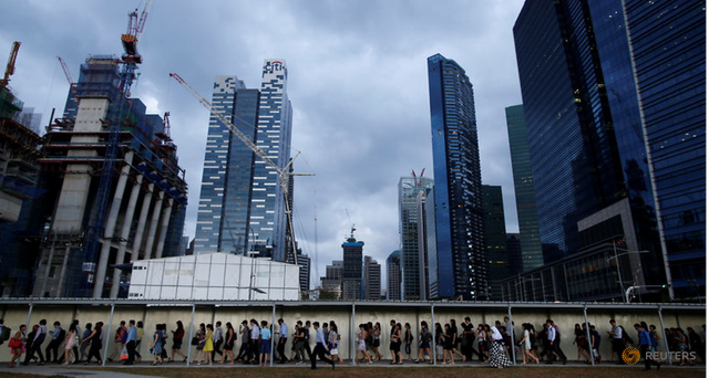 Singapore's workforce shrinks in 2017 for the first time since 2003, but more locals have jobs featured image
