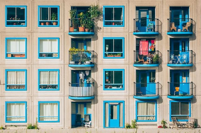 Airbnb versus temporary housing featured image