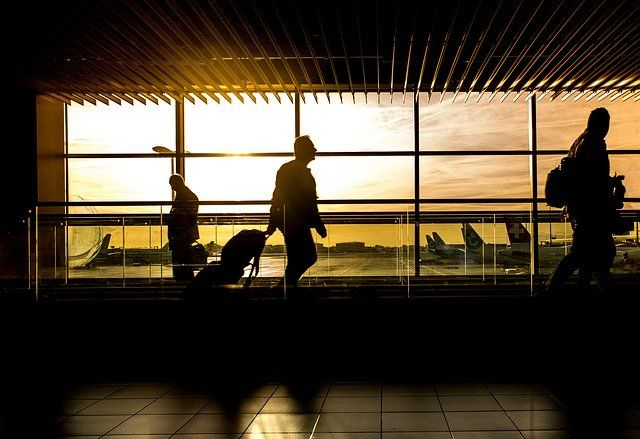 Plan ahead for holiday travel: A checklist for foreign nationals and employers featured image