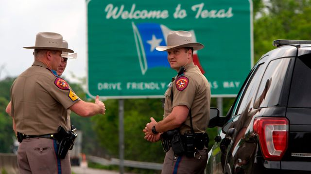Handful of U.S. states institute self-quarantine orders for interstate travelers featured image