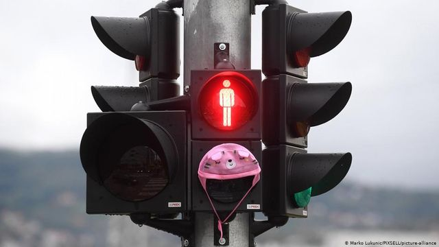 How will the EU's new traffic light system help global travelers? featured image