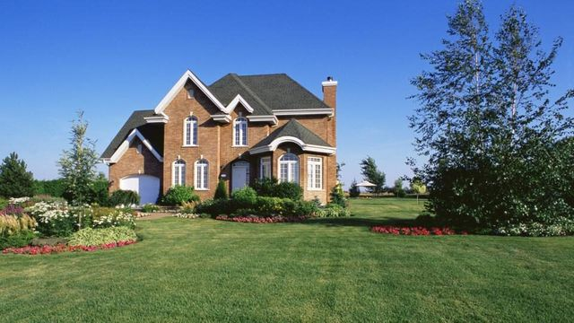 What you should know about the new mortgage refinancing fee featured image