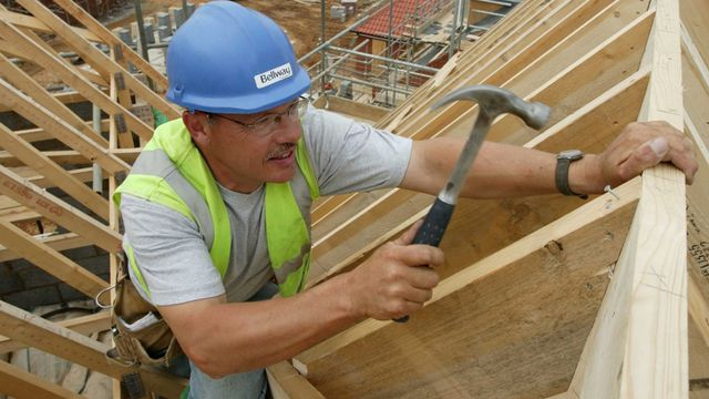UK construction activity rebounds in May featured image