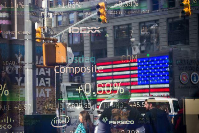 Stock Market Fears Push InvestorsToward Alternative Assets featured image
