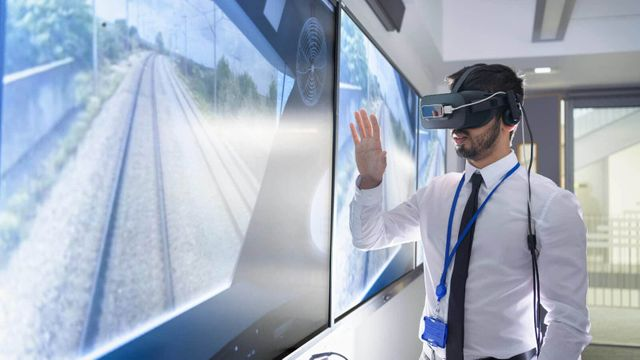 OpenWorld Europe '19 Review: Oracle's vision of the future is Current... featured image