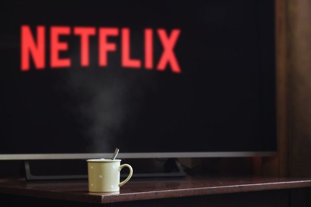 Snackable To Binge-Worthy:  B2B Content Lessons From Netflix featured image