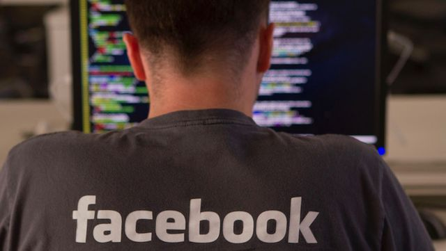 New Poll Shows Less Trust in Facebook than its Counterparts featured image