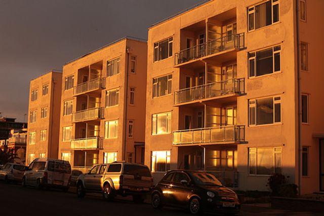 UK house price averages £219,649, says Halifax featured image