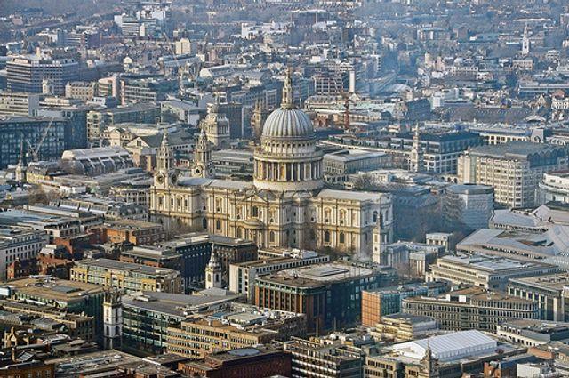 'Amenities' & 'Restaurants' top priorities of UK house-buyers featured image