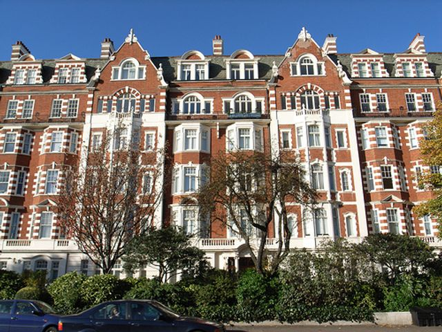 UK house prices up 2.6 per cent annually featured image