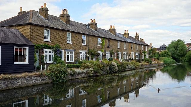UK City house price growth at 4.9% - Hometrack featured image