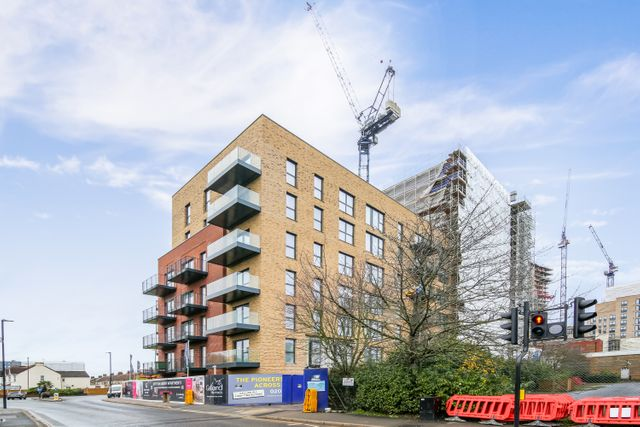 London's residential rents continue to climb featured image