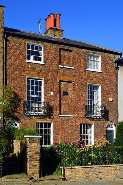 London registers 2.3% house price growth – Hometrack featured image
