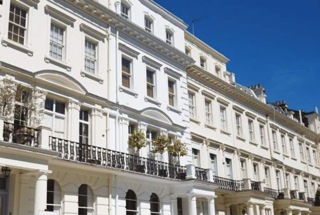 Prime Central London records highest monthly £5 million-plus sales for 5 years - Savills featured image