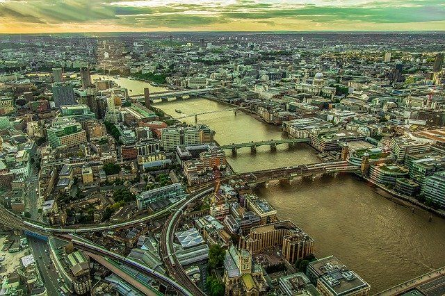 London commercial property bounces back featured image
