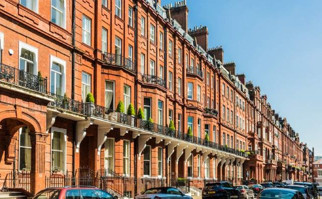 London house prices continue to grow, backed by SDLT holiday & Government support featured image