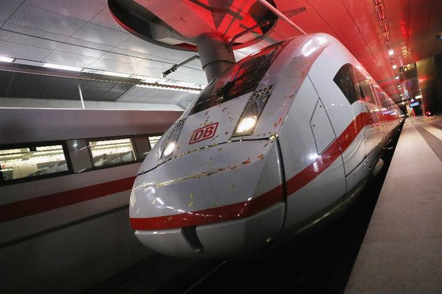 How Siemens Is Using Big Data And IoT To Build The Internet Of Trains featured image