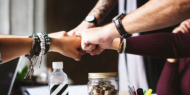 5 ways to help your team work together featured image