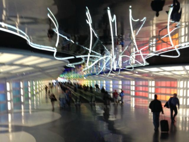 AI and big data converge to improve your airport customer experience featured image