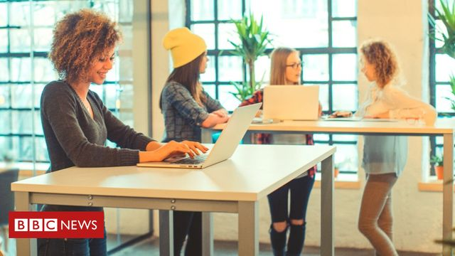 Standing-desk workers 'less tired, more engaged' featured image