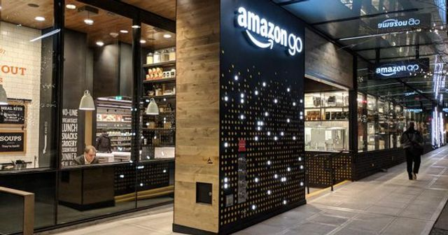 Top 4 Digital Transformation Trends In Retail For 2019 featured image