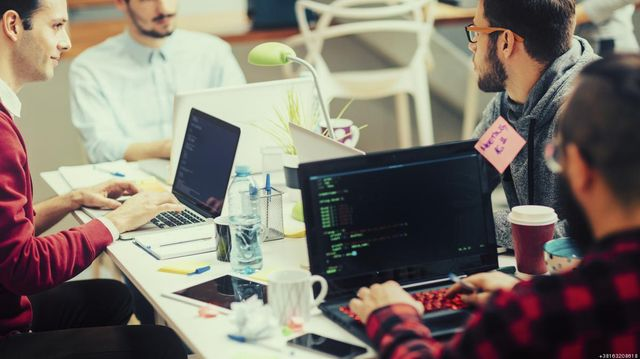 Top 6 interview questions to ask Java developers featured image