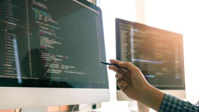 Top 10 Programming Languages for Engineers featured image
