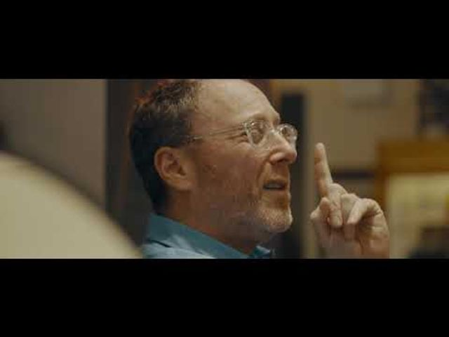 Moscot. This is how you make a powerful brand video. featured image