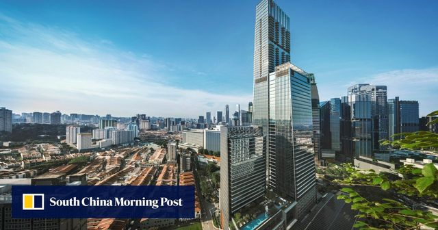 Singapore's Mega-Malls And The Battle Against E-Commerce featured image