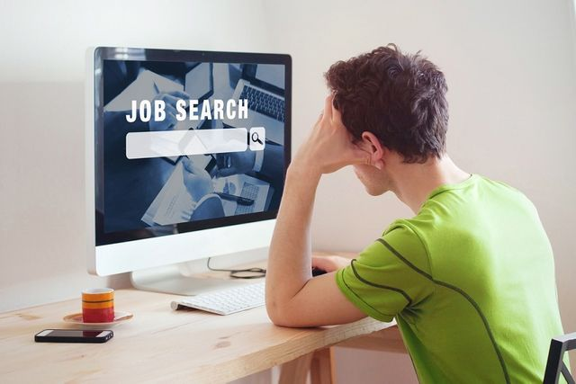Turning passive candidates into applicants - top tips revealed. featured image