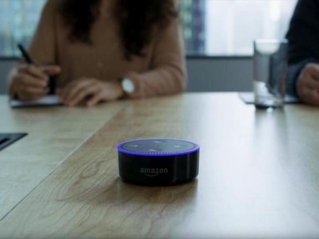 How voice assistants reinforce the tech gender gap featured image