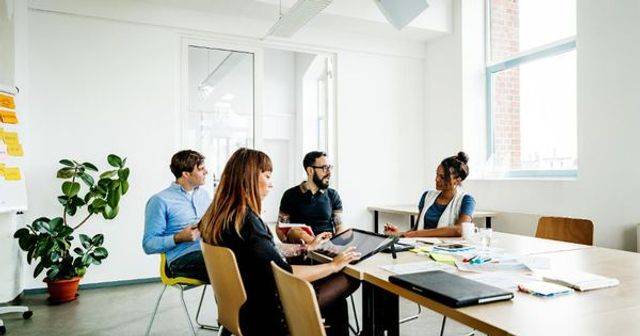 How to use meetings to get noticed and promoted. featured image