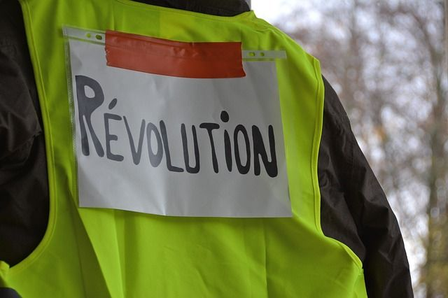 Yellow Vests and a Green Future featured image