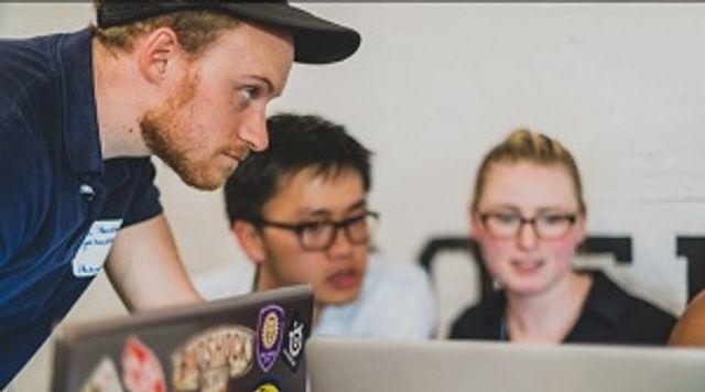 ¿Cómo pueden influir los departamentos de comunicación sobre los directores de marketing y IT? featured image