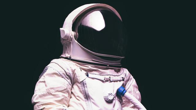 Bis zur Erdumlaufbahn und bald noch viel weiter? - HOTnews KW 37 featured image