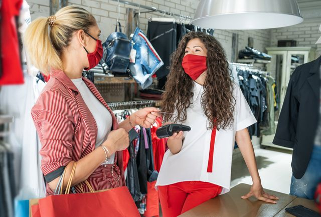 Trends to Define Holiday Retail Shopping featured image