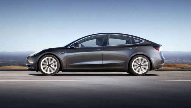 The Model electric vehicle - Tesla bring us performance, technology AND savings featured image