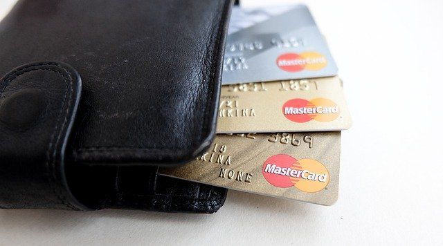 The hidden risk of creating a cashless society featured image