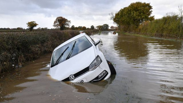 UK insurers forecast to post losses as costs and claims rise featured image