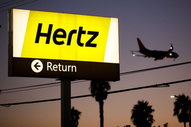Hertz reported as teetering on brink of bankruptcy featured image