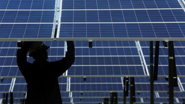Extreme weather causes surge in solar power insurance costs featured image