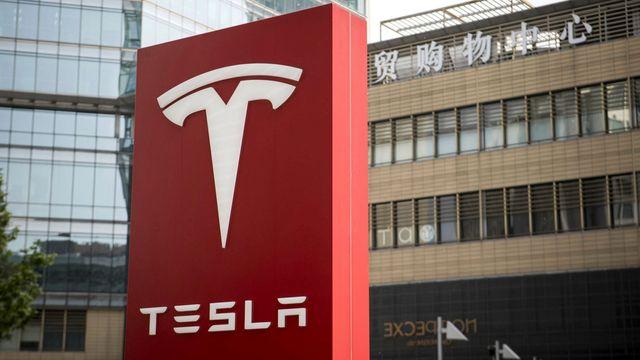 Tesla Insurance: worth more than Aviva? featured image