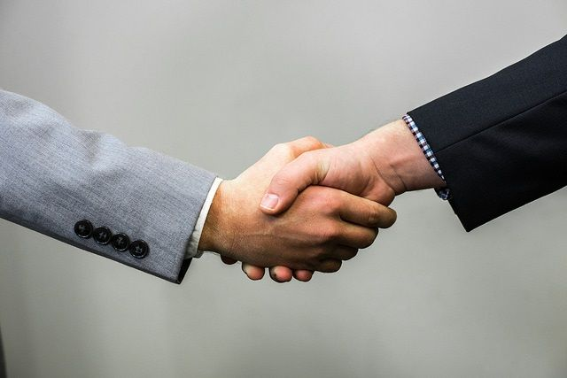 6 Ways to Gain Influence With B2B Buyers featured image