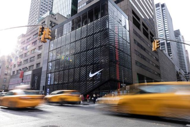 Why Nike and other Brands going 'Direct to Consumers' will impact Retailers. featured image