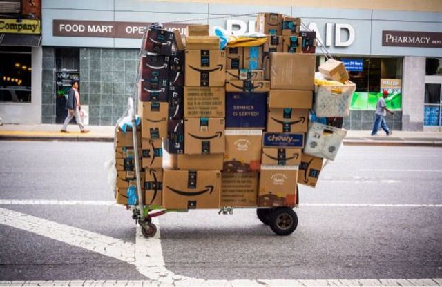 Can Retail Survive Amazon's 'Free Returns' or turn it to an advantage? featured image
