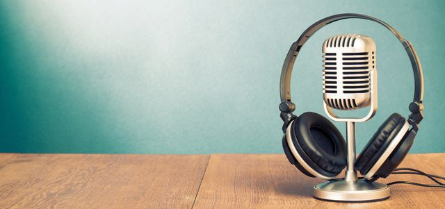 Why podcasts are good for your Social Media Content Mix. featured image