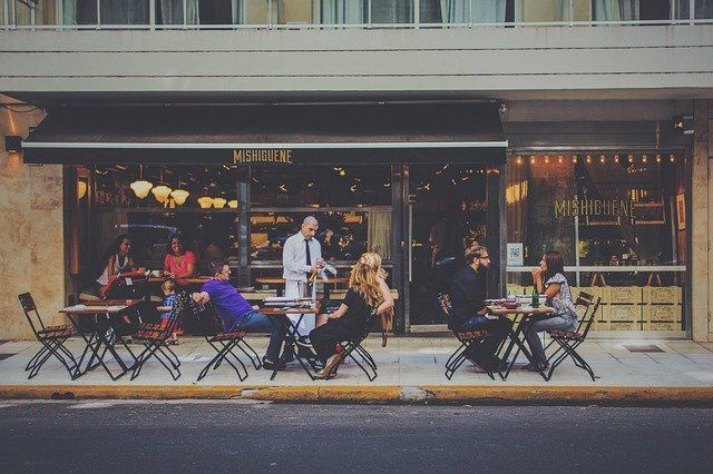 Retail Footfall - How To Leverage the Social Consumer to  Restore Confidence? featured image