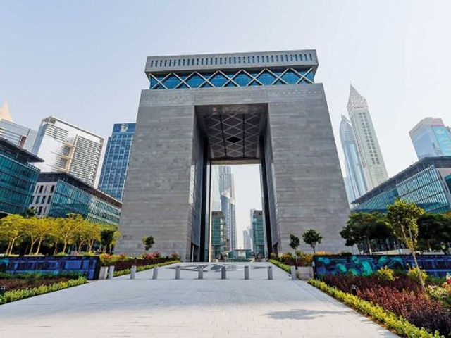 New Dubai Law confirms that DIFC financial institutions may promote and provide their services to UAE clients outside the DIFC featured image